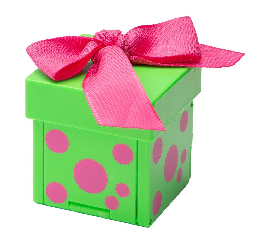 Giftems_BoxGreenWPinkPolka-8938.jpg