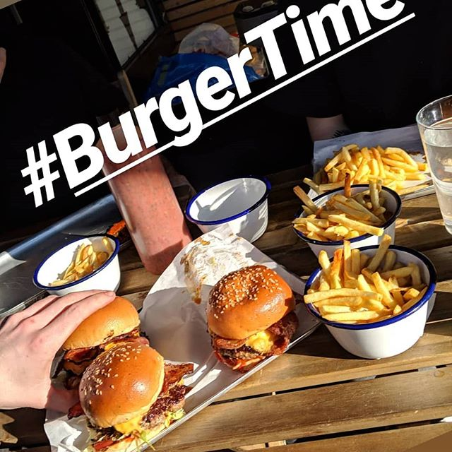 #burgertime @theoldnunshead //As always the best bloody burger, beer and vibes layed down by us and Nick and his team at the BEST pub in South London.