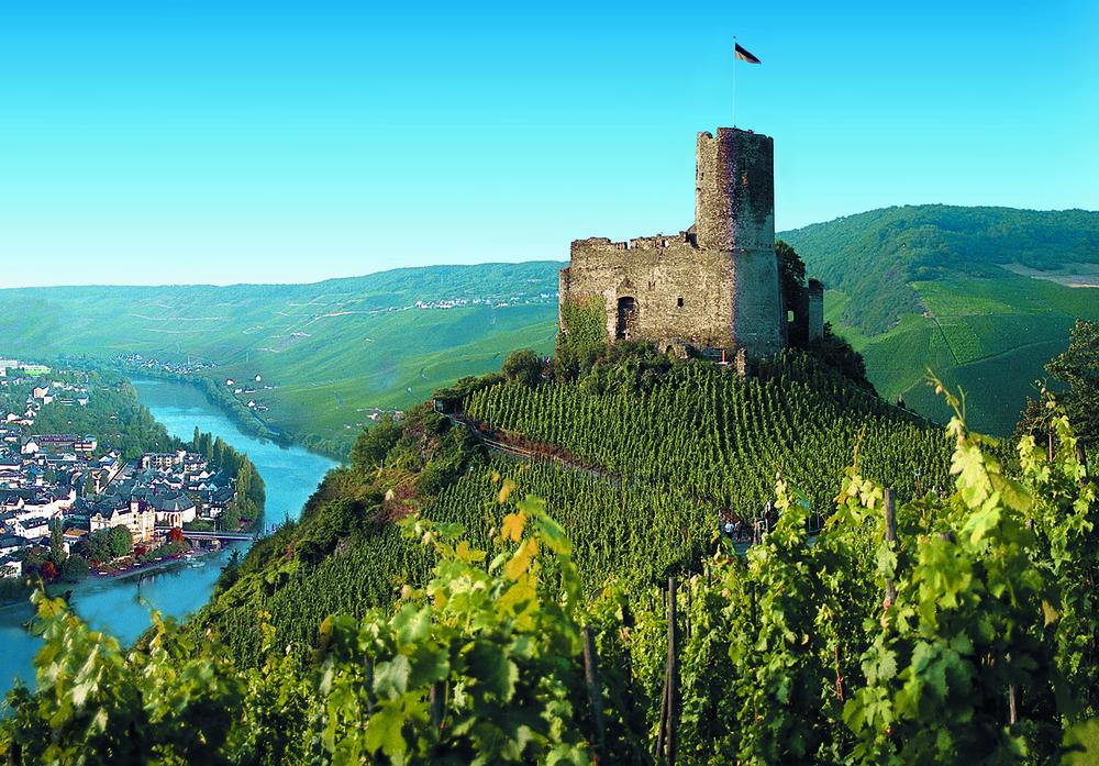Burg Landshut Castle, Rhine River.jpg
