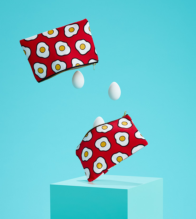 SHOT_05_EGGS_FALLING_POUCHES_1243_v1.jpg
