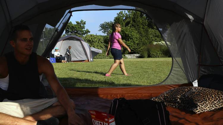 Photo: Chicago Tribune http://www.chicagotribune.com/news/local/ct-urban-camping-met-20140829-story.html