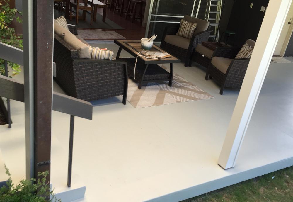 Custom-tinted epoxy coating