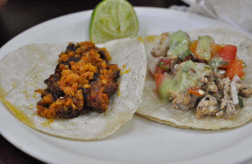 Chorizo taco & Pollo taco