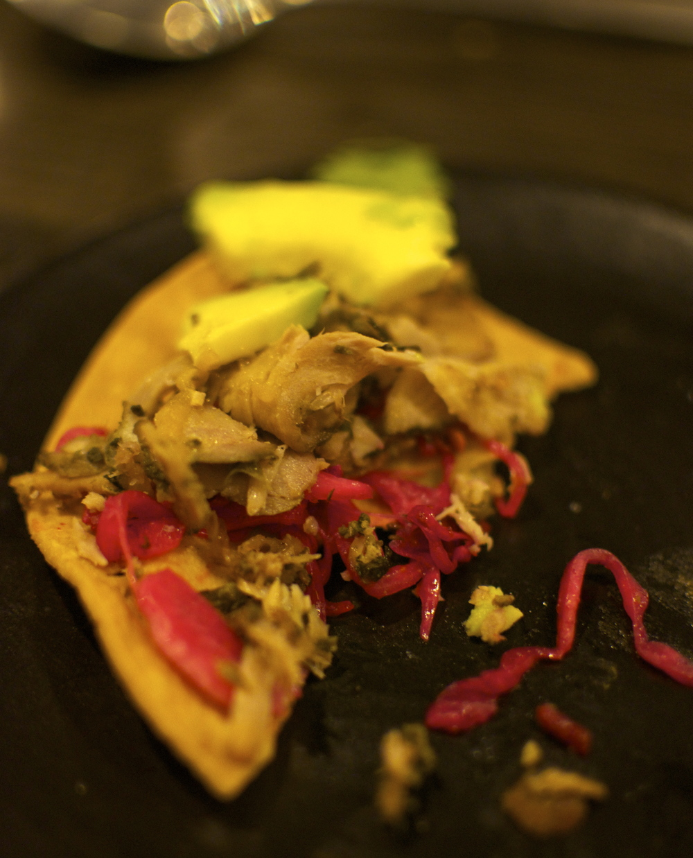 Thinly sliced roasted pork, chimichurri, avocado and pickled onions on a tostada.  The pork was so tender and flavourful and the pickled onions really made the dish come alive.  I think this would be similar to the Rosti-Puerco Cemita.