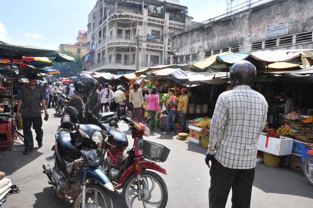 street market in Phnom Penh