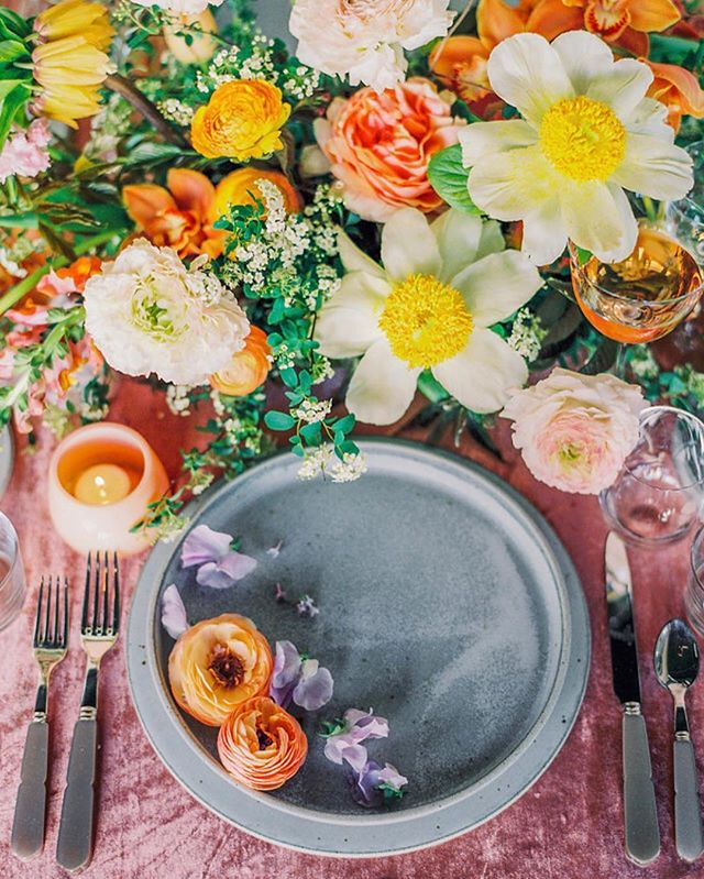 Color is life, and this editorial was 💯 life giving! Thanks to @sallypineraphoto @theark_ @tonoandco @tibi @tingmakeup for helping make this shoot happen! #lavendersflowers #dsfloral #dscolor #allthecolor #tastetherainbow
