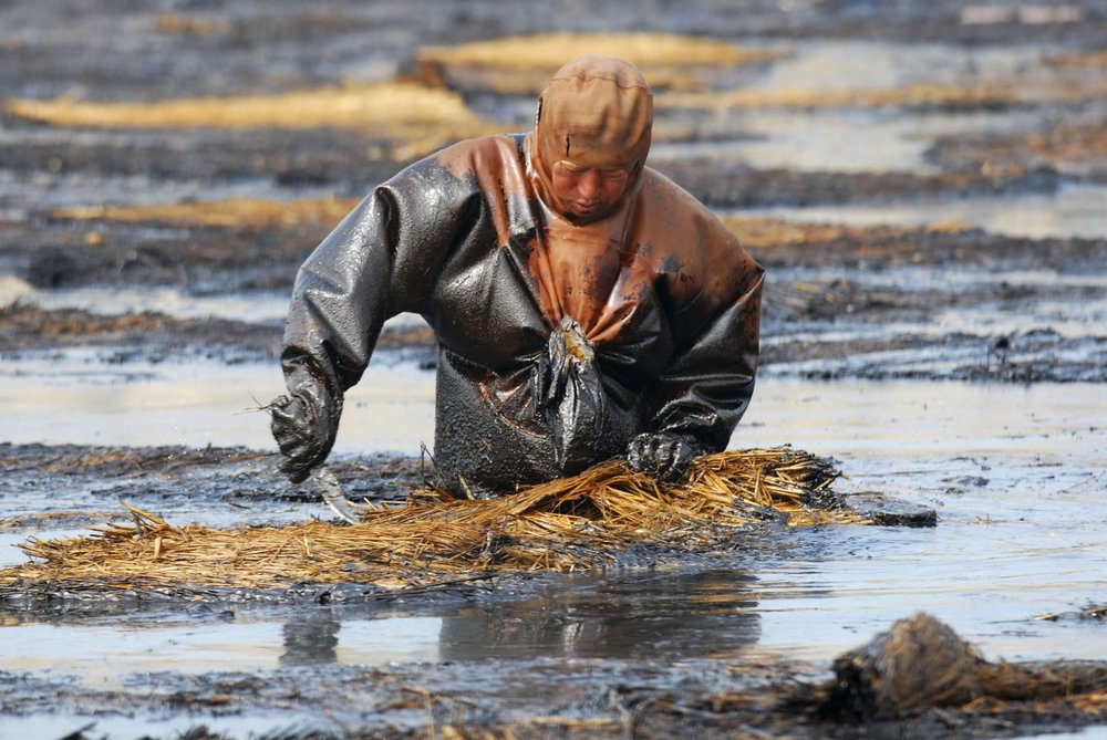 it-has-been-reported-that-of-the-water-kept-underground-in-chinas-cities-90-is-polluted-and-70-of-rivers-and-lakes-are-contaminated-as-well.jpg