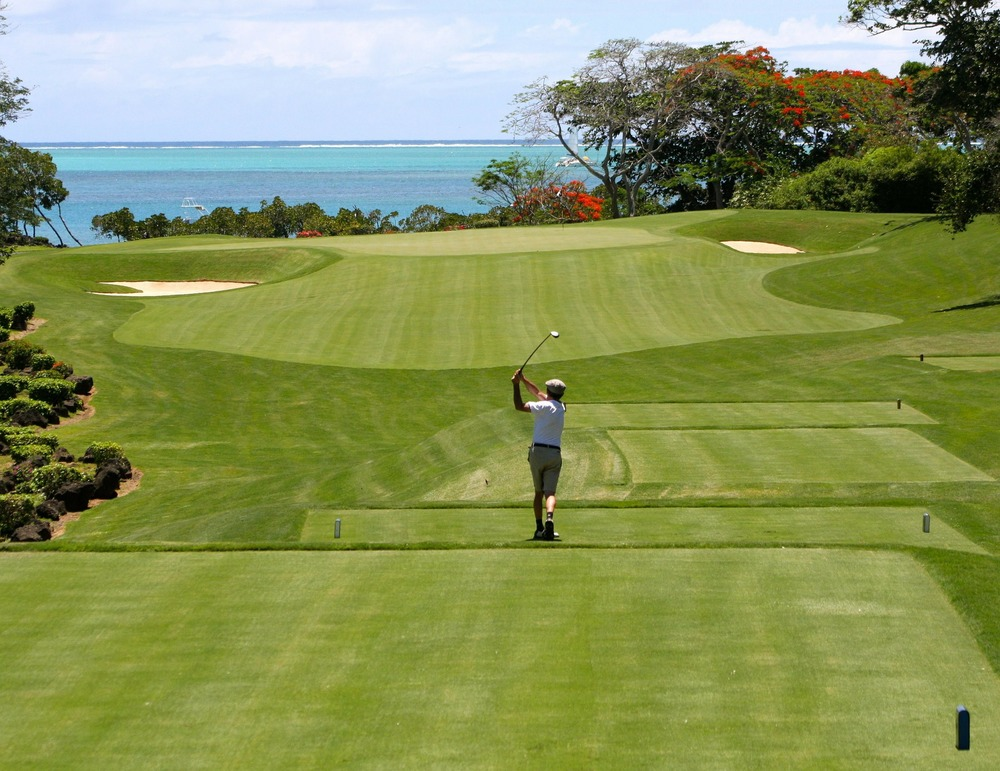 Golf along the shores in Mauritius.