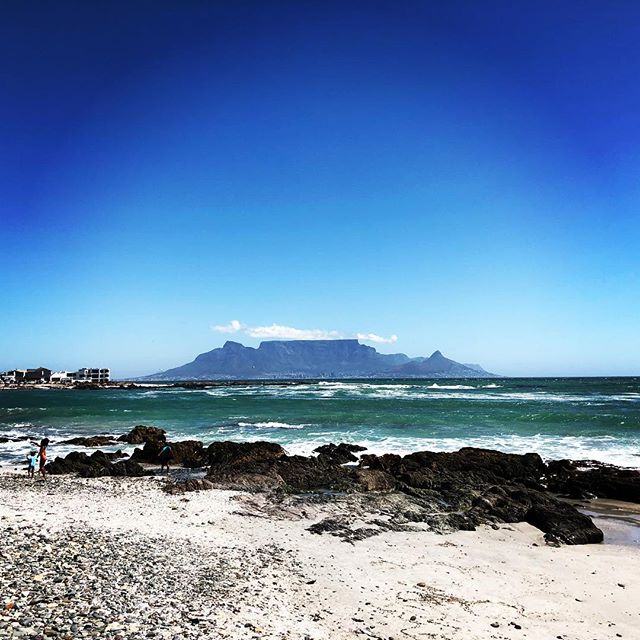 This view never gets old. #tablemountain #capetown #beach #nature #travel #ilovemycity
