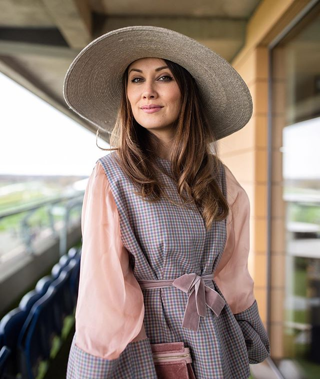 Taking my easter weekend style inspiration from the beautiful @masha_theone  _ #styleinspo #easterstyle #jtmillinery #brandphotography #styleguide #lifestylephotographer #ascot #fashionportraits #luxurylifestyle #londonphotographer #pasteldreams #springwardrobe #ss19 #pr #pasteloutfit #fashion #stylegoals