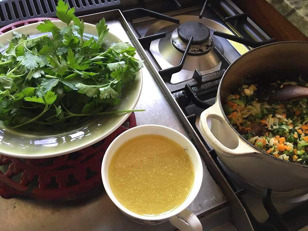 rozy-recipe-mussels-with-iona-sauvignon-blanc-03.jpg