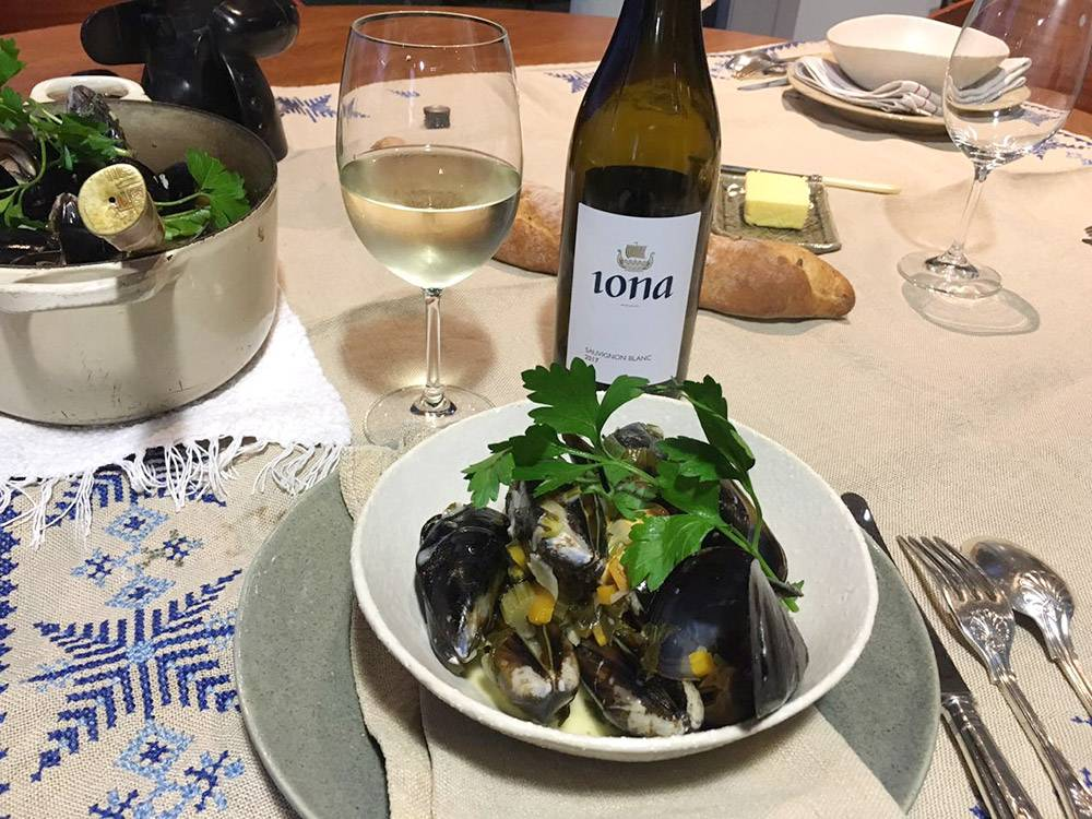 rozy-recipe-mussels-with-iona-sauvignon-blanc-05.jpg