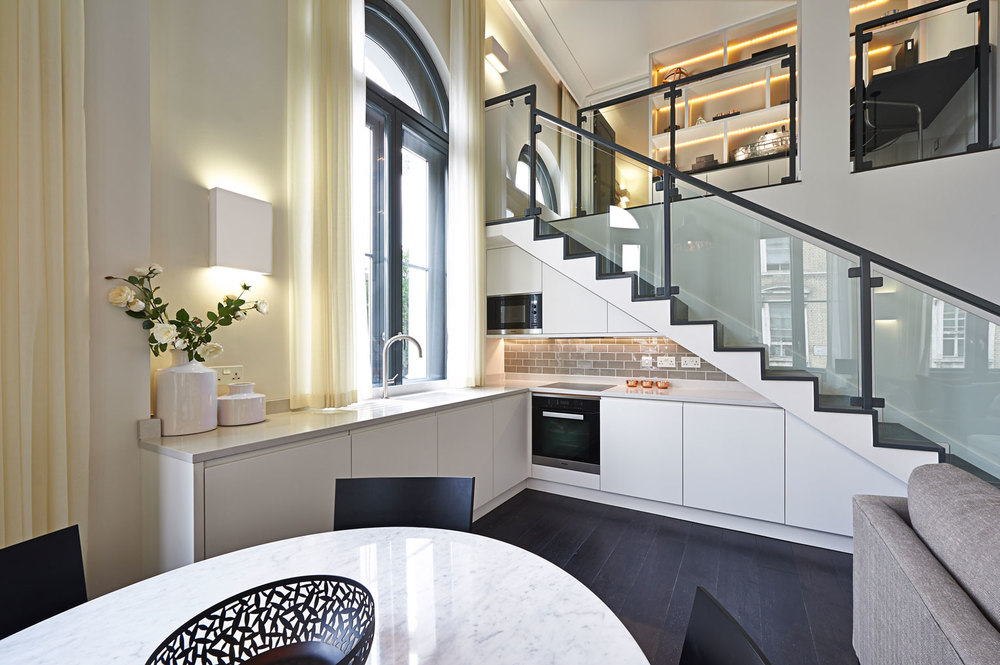 Chelsea – a contemporary mezzanine kitchen