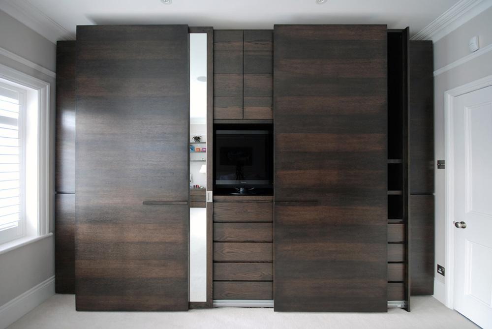 Nassau Road – an exquisite master wardrobe in a dark oak finish