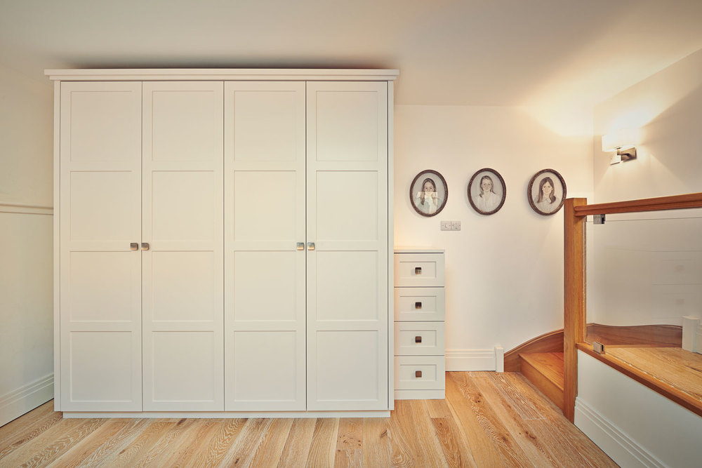 Courtfield Mews – a traditional wardrobe with a modern twist