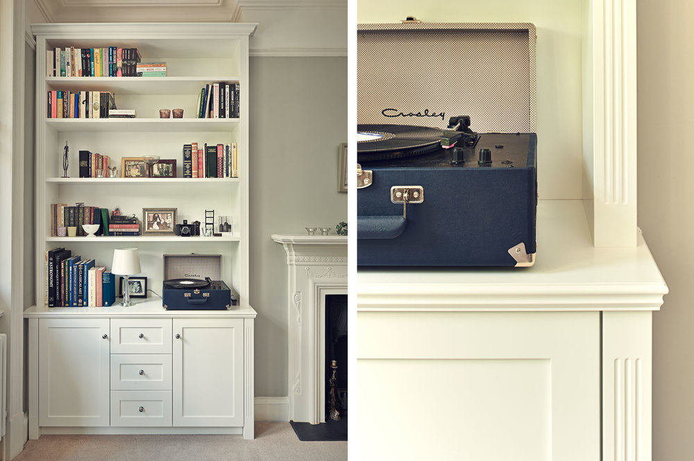 York Mansions – elegant, traditional alcove shelving with grooved posts