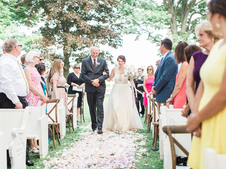 HiddenVineyardWedding11.jpg