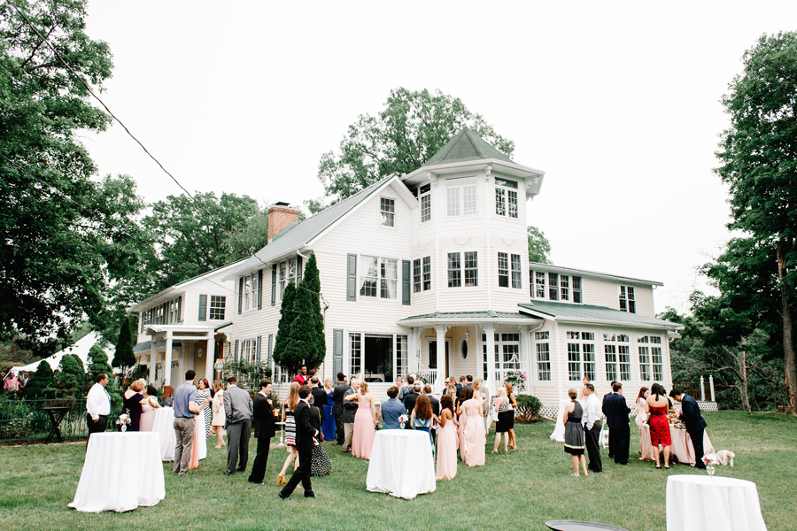 BackyardMichiganWedding17.jpg
