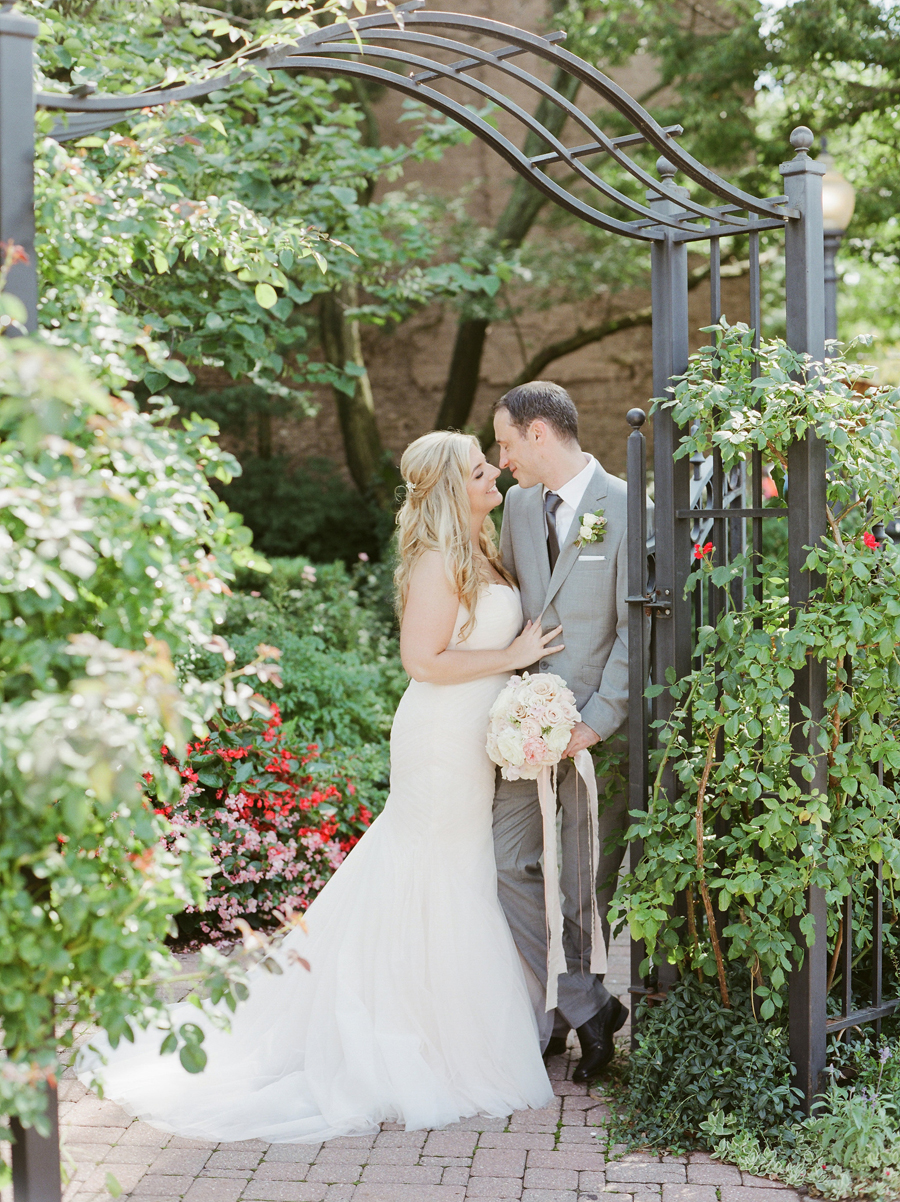 ElegantMichiganWedding10.jpg