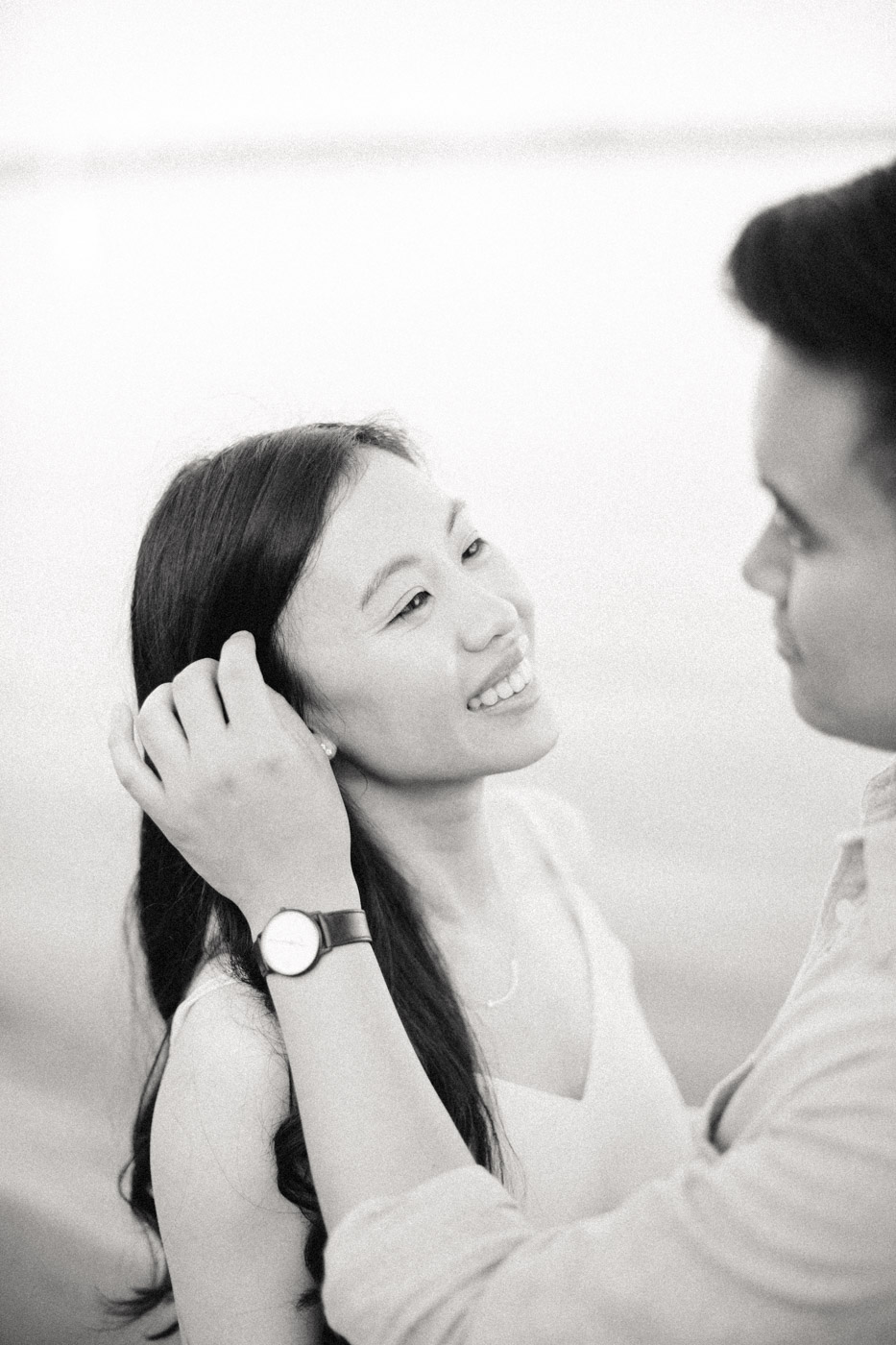 toronto_wedding_photographer_engagement_beach-114.jpg
