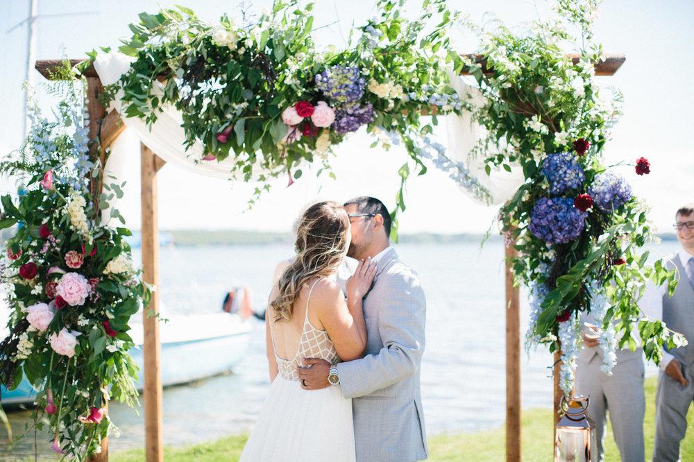 toronto_wedding_photographer_backyard_wedding-18.jpg