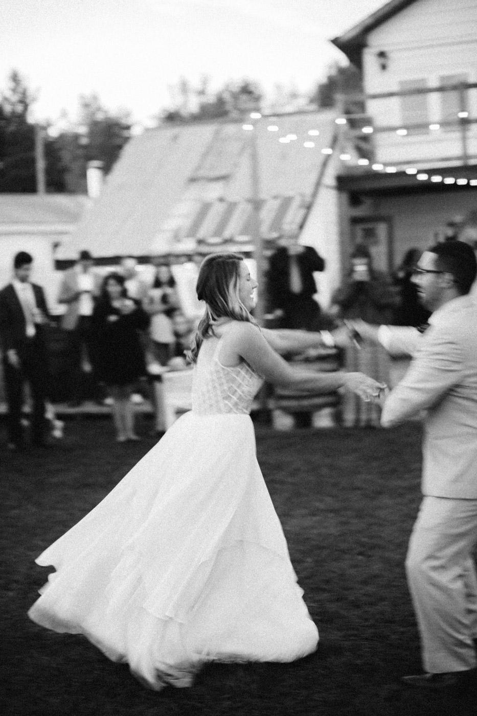toronto_wedding_photographer_backyard_wedding-47.jpg
