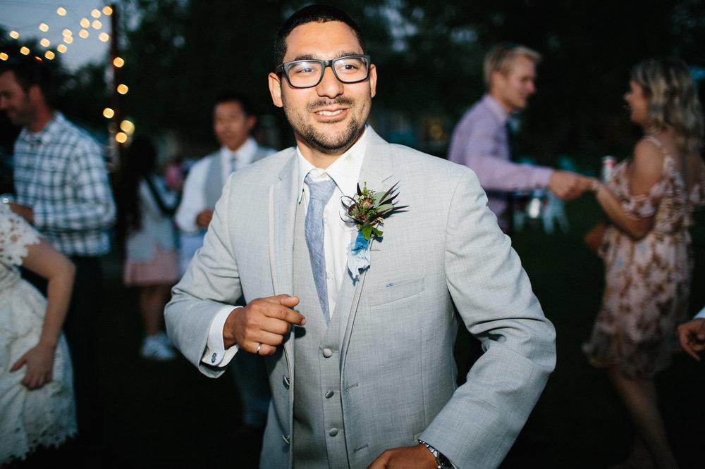 toronto_wedding_photographer_backyard_wedding-49.jpg