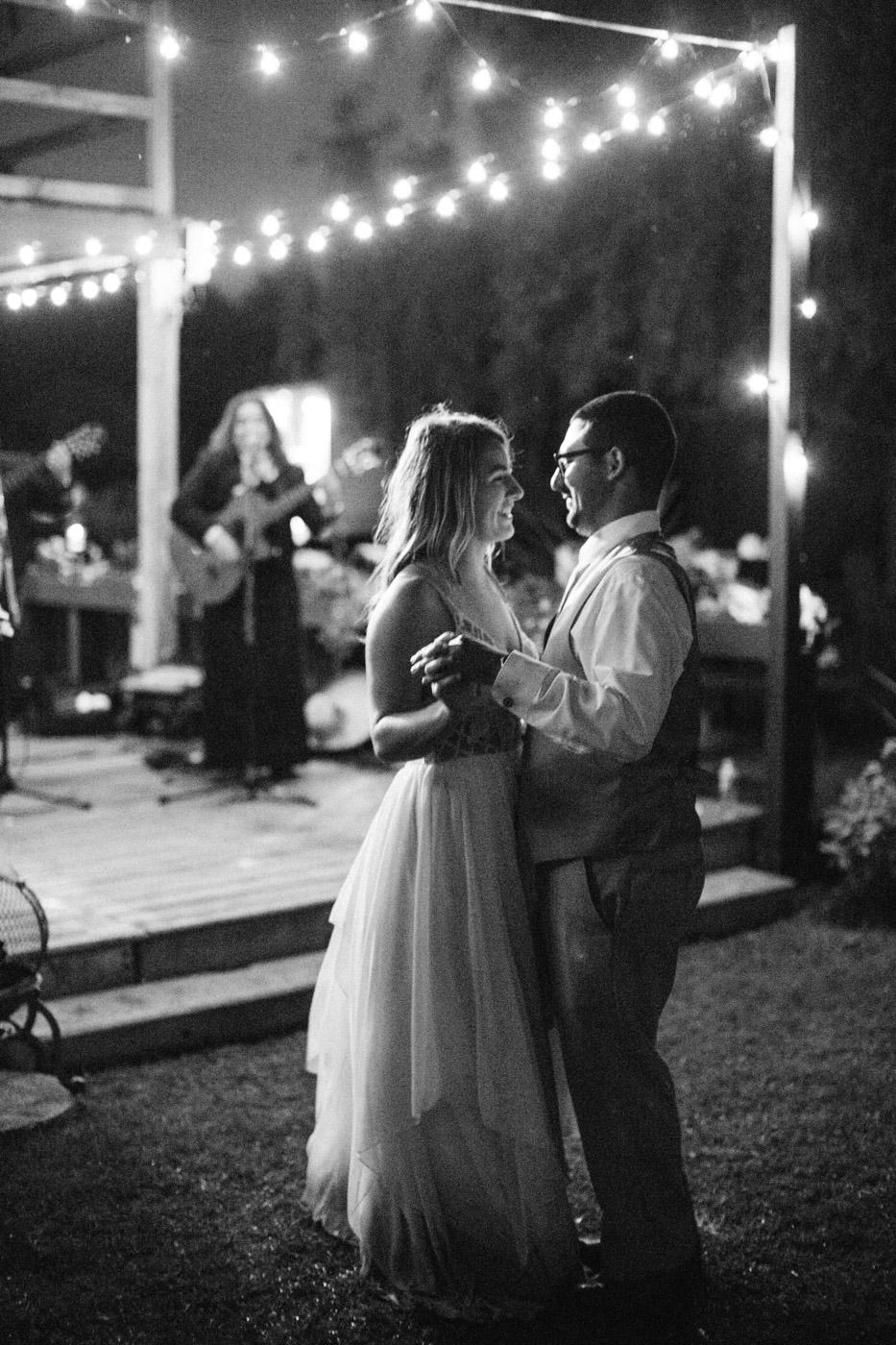 toronto_wedding_photographer_backyard_wedding-60.jpg