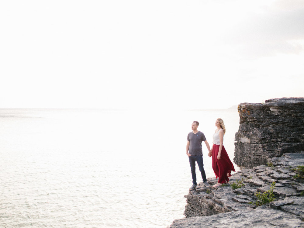 couples_adventure_session_tobermory-13.jpg