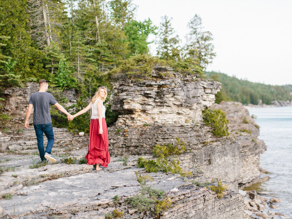 couples_adventure_session_tobermory-18.jpg