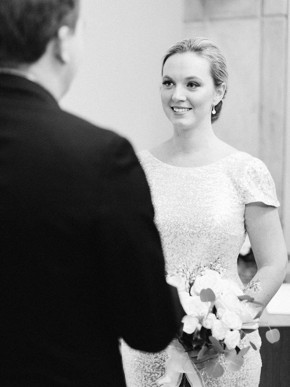 toronto_city_hall_wedding_photographs_nathan_phillips_square-30.jpg
