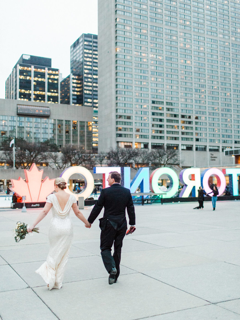 toronto_city_hall_wedding_photographs_nathan_phillips_square-150.jpg