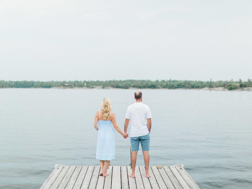 toronto_wedding_photographer_fine_art_documentary_Muskoka_Engagement_Honey_Harbour-39.jpg