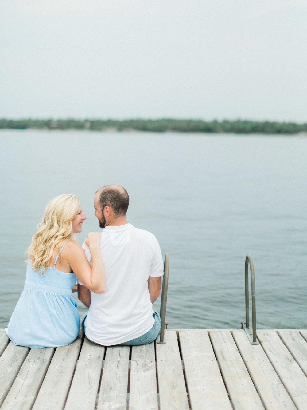 toronto_wedding_photographer_fine_art_documentary_Muskoka_Engagement_Honey_Harbour-41.jpg