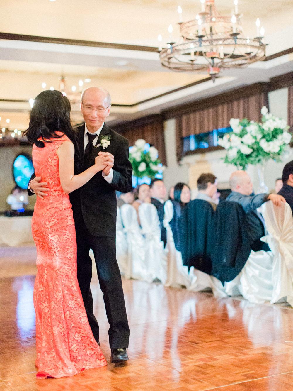 toronto-wedding-photographer-fine-art-documentary-elegant-toronto-golf-club-kings-riding-230.jpg