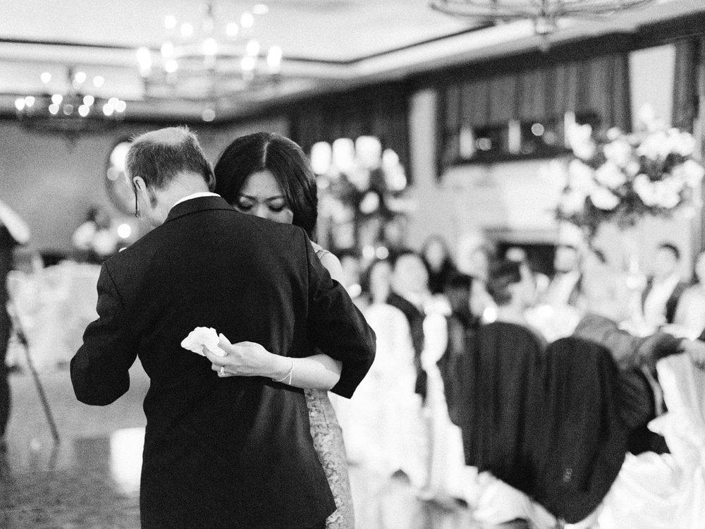 toronto-wedding-photographer-fine-art-documentary-elegant-toronto-golf-club-kings-riding-234.jpg