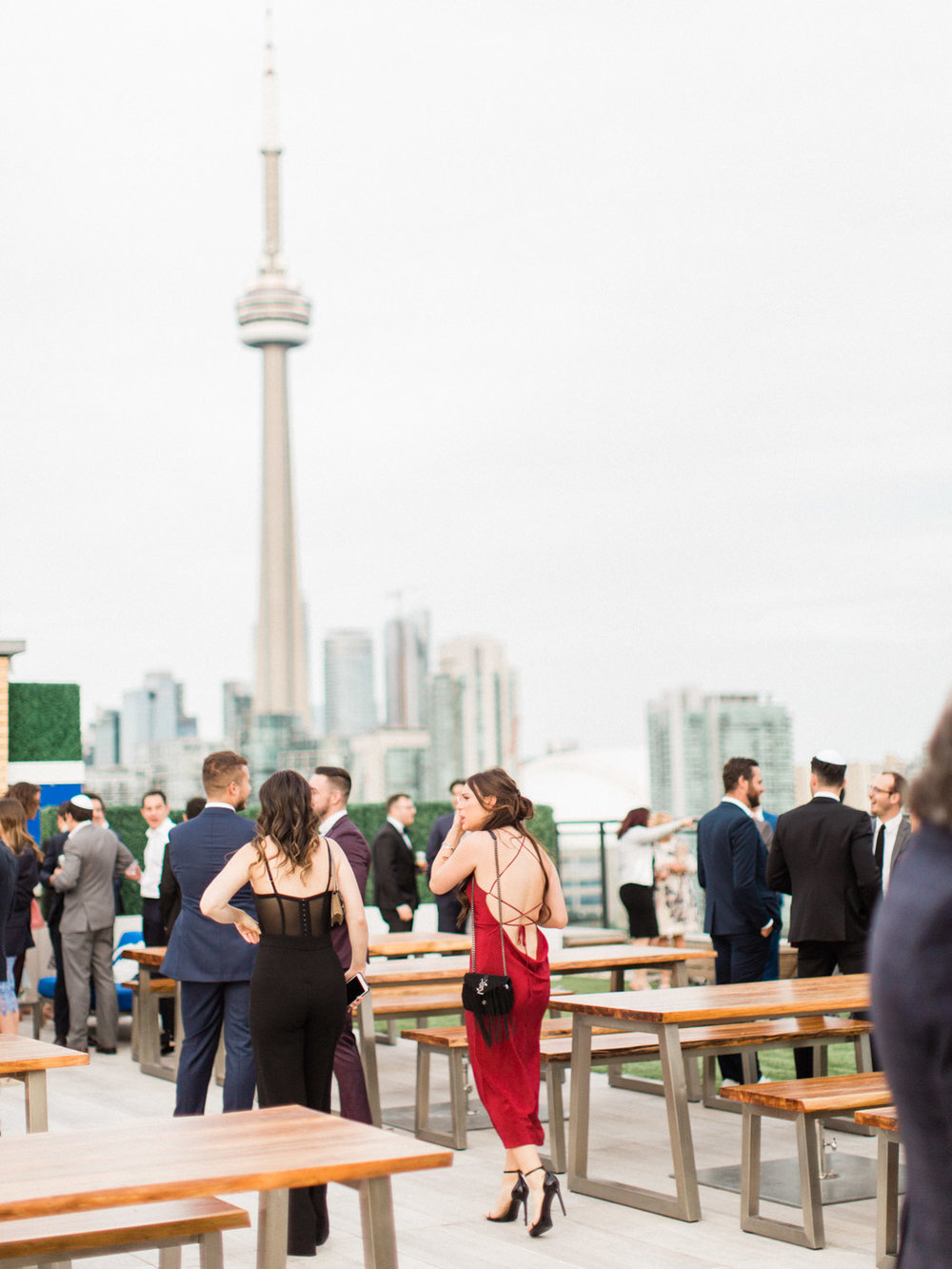 corynn-fowler-photography-toronto-wedding-photographer-restaurant-rooftop-lavelle-174.jpg