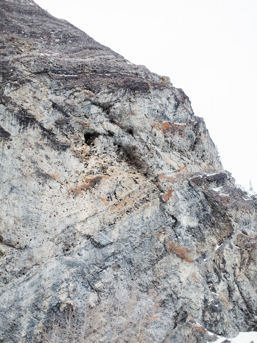 destination-engagement-photographer-adventurous-mountain-couples-session-5.jpg