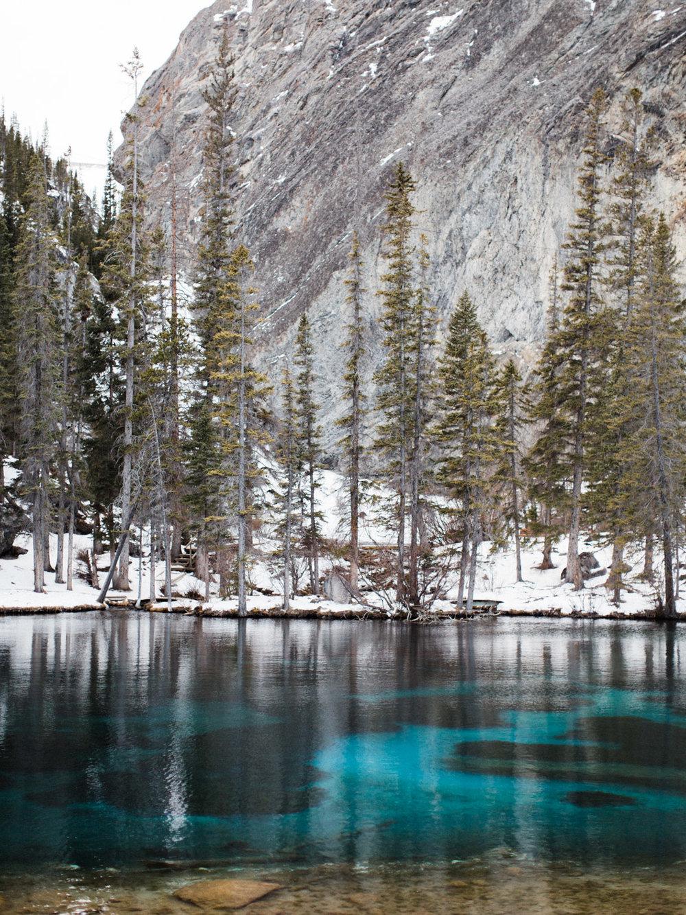 destination-engagement-photographer-adventurous-mountain-couples-session-10.jpg