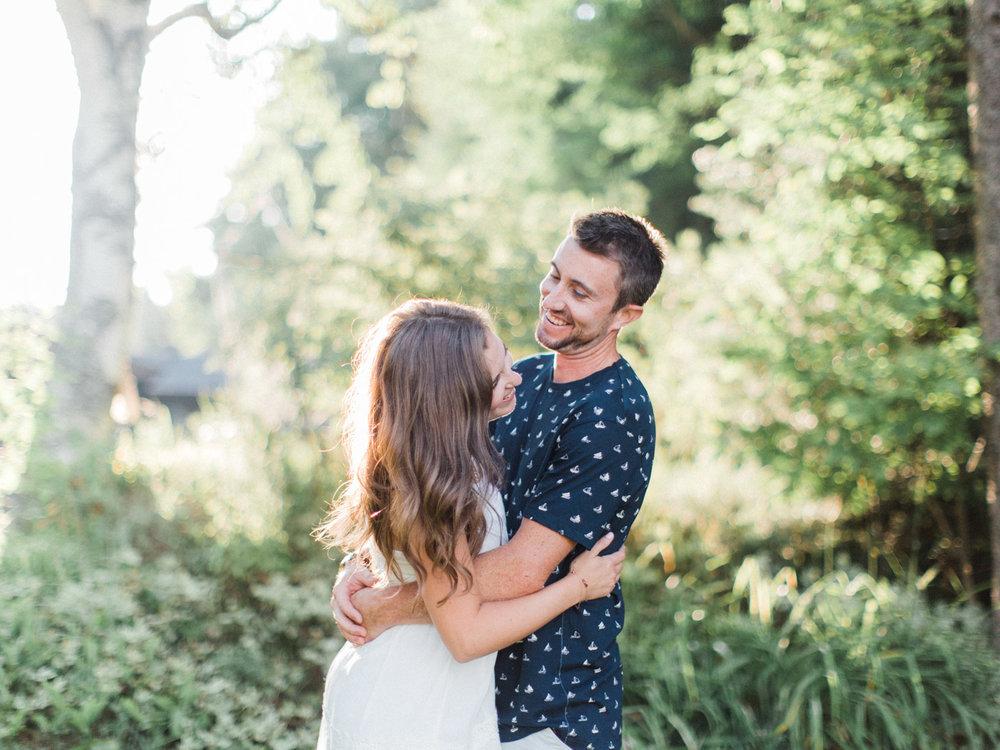 muskoka-wedding-photographer-adventurous-couples-engagement-session-lake-12.jpg