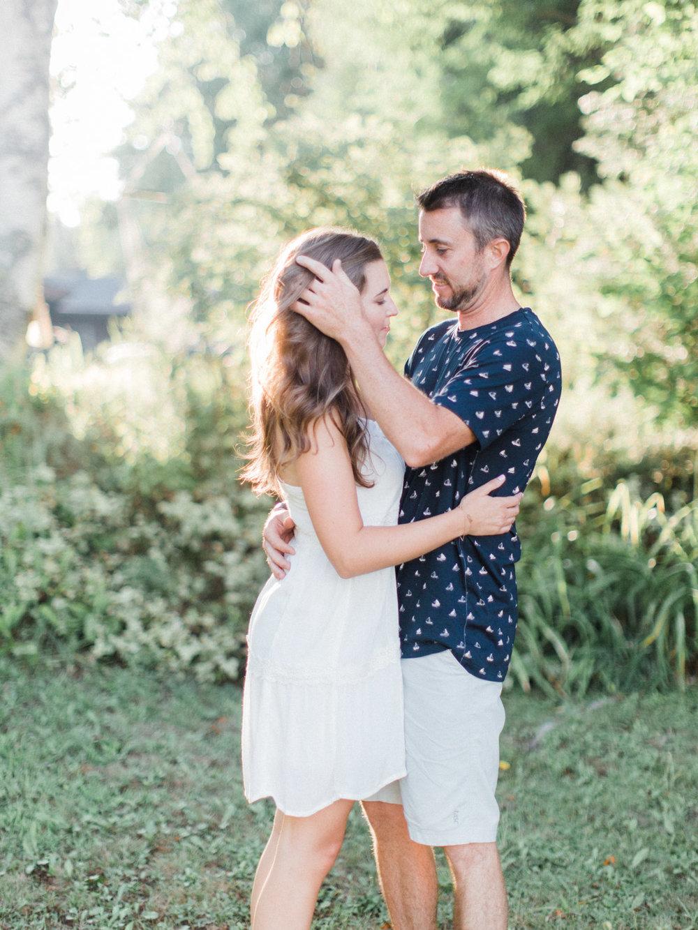 muskoka-wedding-photographer-adventurous-couples-engagement-session-lake-14.jpg