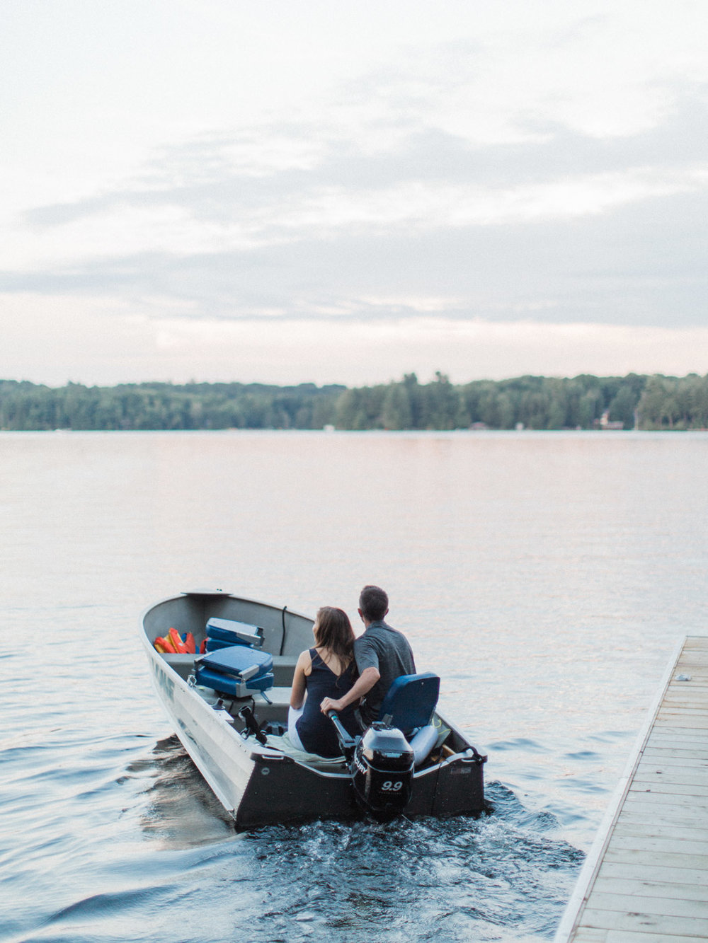 muskoka-wedding-photographer-adventurous-couples-engagement-session-lake-98.jpg
