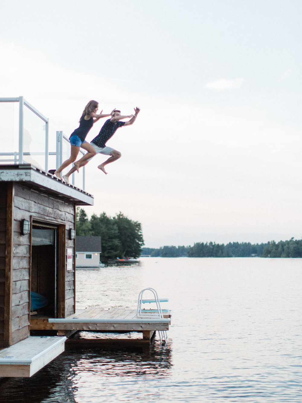 muskoka-wedding-photographer-adventurous-couples-engagement-session-lake-107.jpg