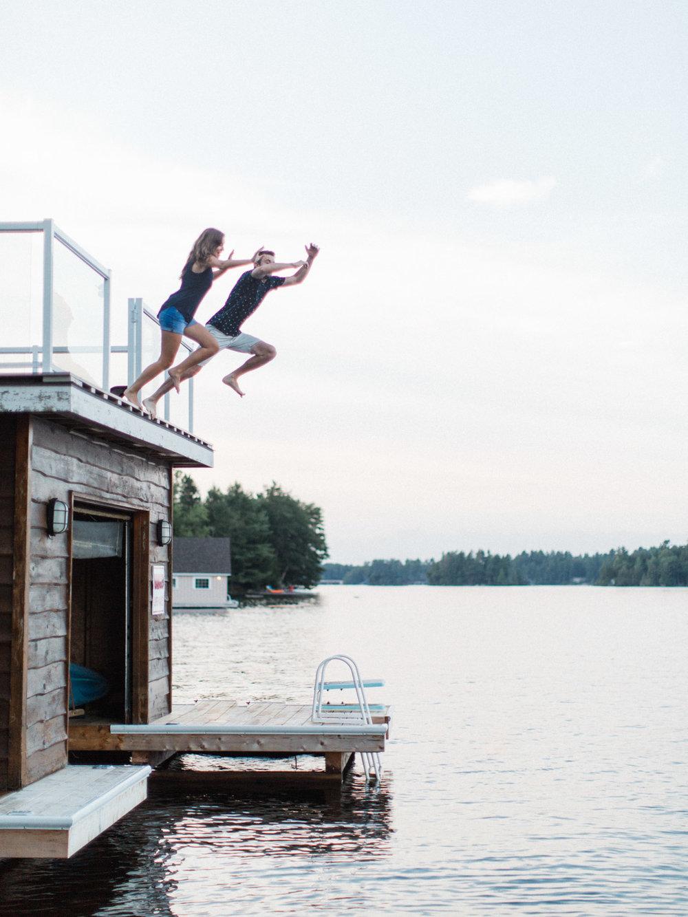 muskoka-wedding-photographer-adventurous-couples-engagement-session-lake-107.jpg
