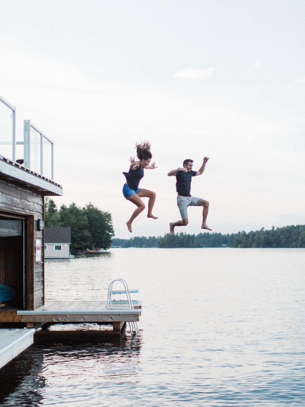 muskoka-wedding-photographer-adventurous-couples-engagement-session-lake-110.jpg