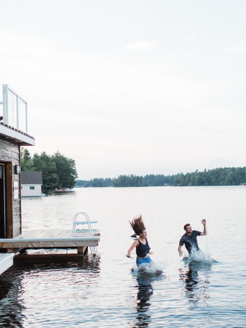 muskoka-wedding-photographer-adventurous-couples-engagement-session-lake-112.jpg