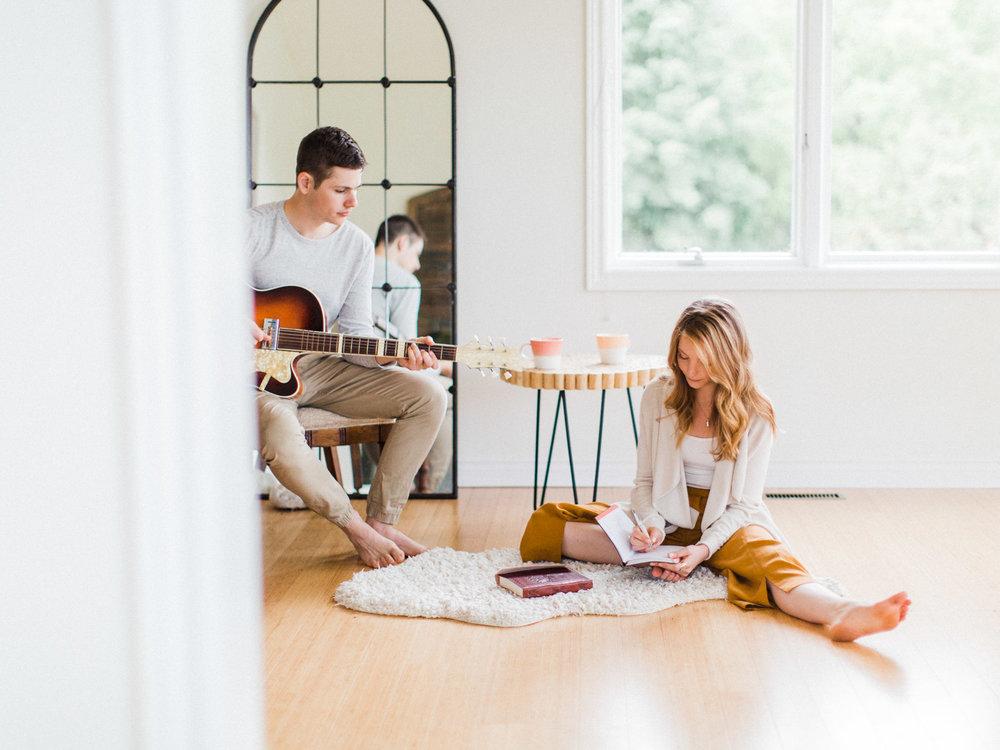 toronto-collingwood-wedding-photographer-at-home-engagement-inspiration 2018-92.jpg