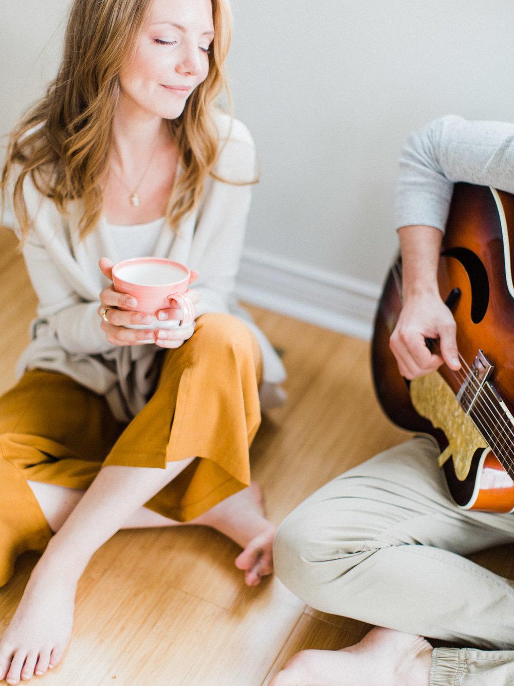 toronto-collingwood-wedding-photographer-at-home-engagement-inspiration 2018-171.jpg