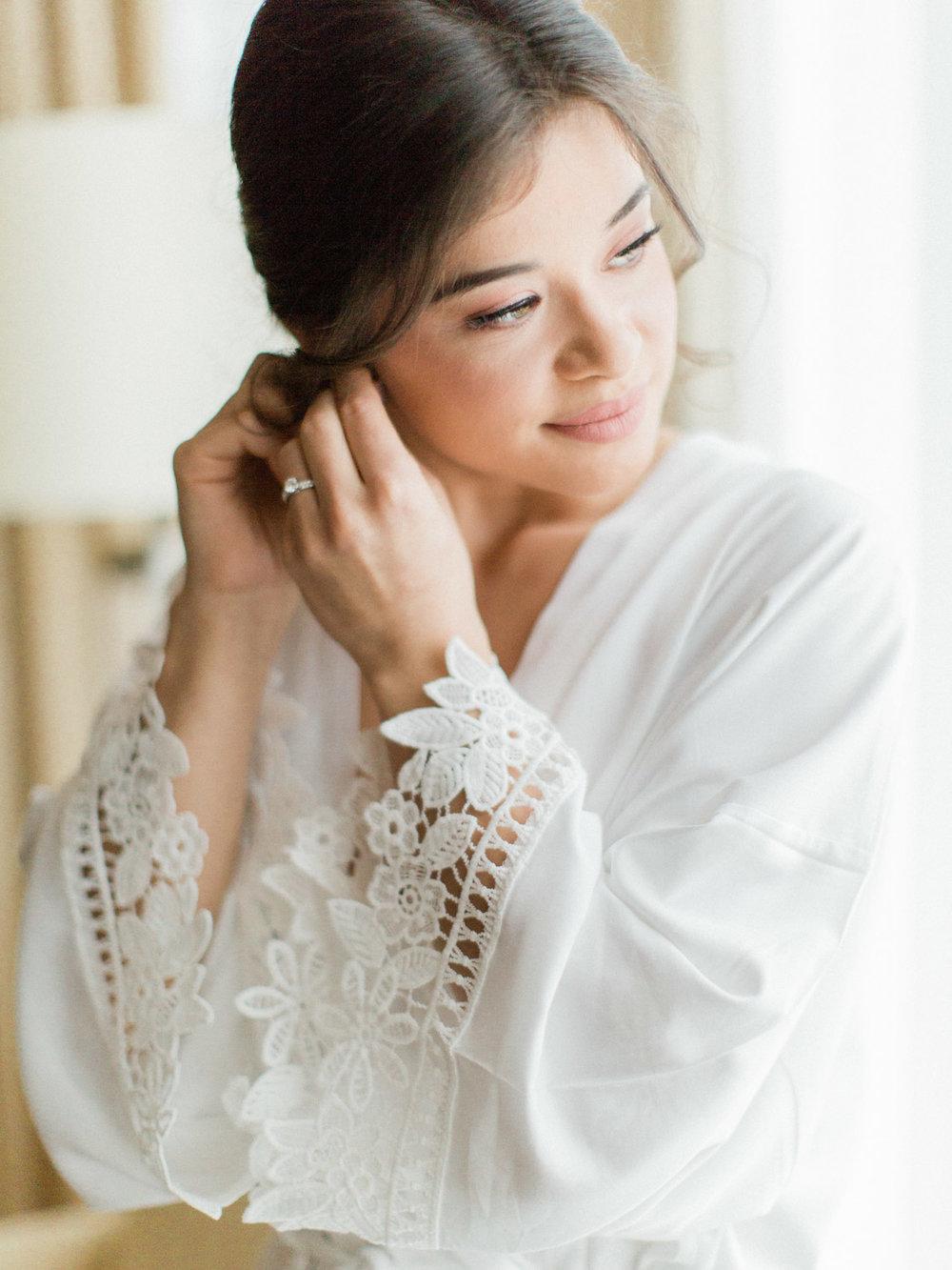 Toronto-wedding-photographer-intimate-italian-the-burroughes-downtown10.jpg