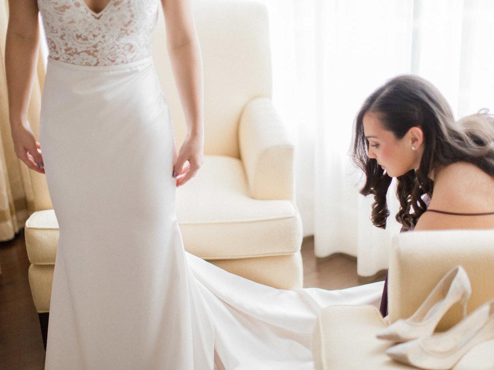 Toronto-wedding-photographer-intimate-italian-the-burroughes-downtown14.jpg